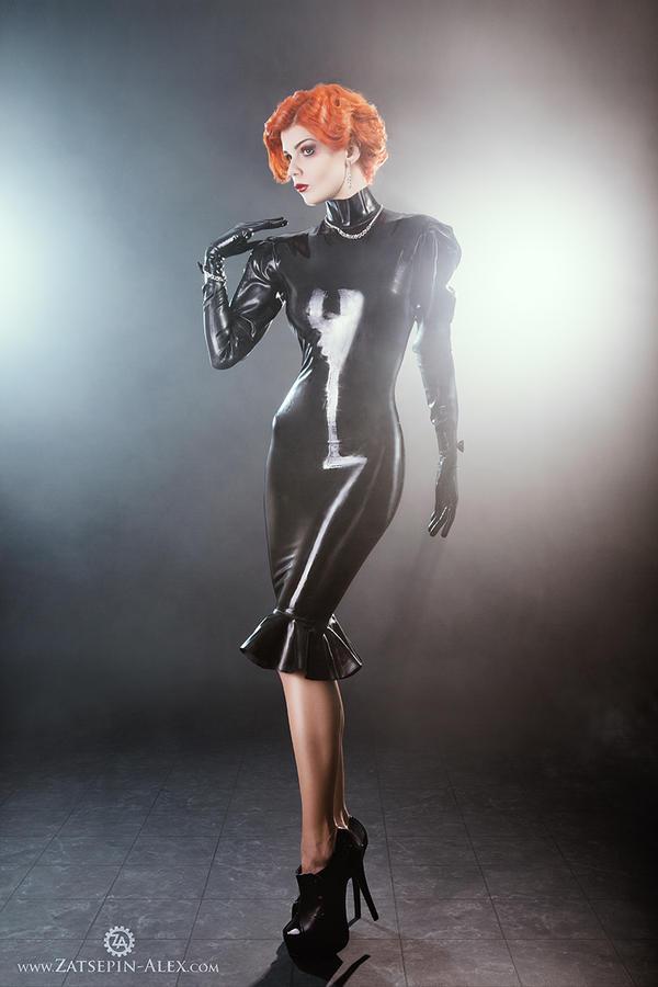 Black dress by Elisanth