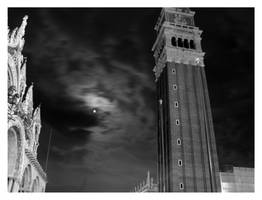 San Marco moon by tommasogecchelin