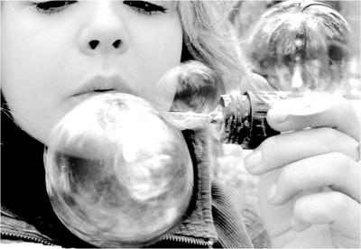 blow.bubbles.blow by Niktoria