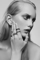 MAGNEA x AURUM jewellery campaign