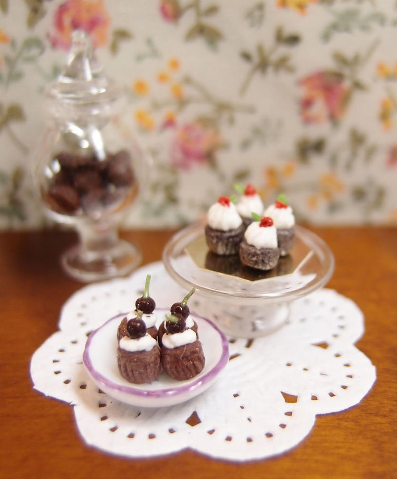 Cherry Dark Chocolate Cupcakes by Nassae