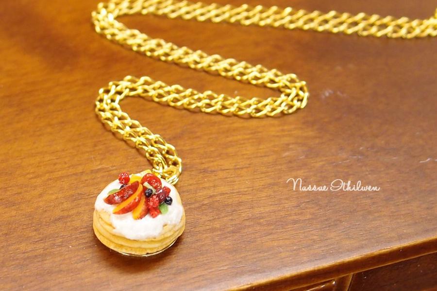 Pancake necklace by Nassae
