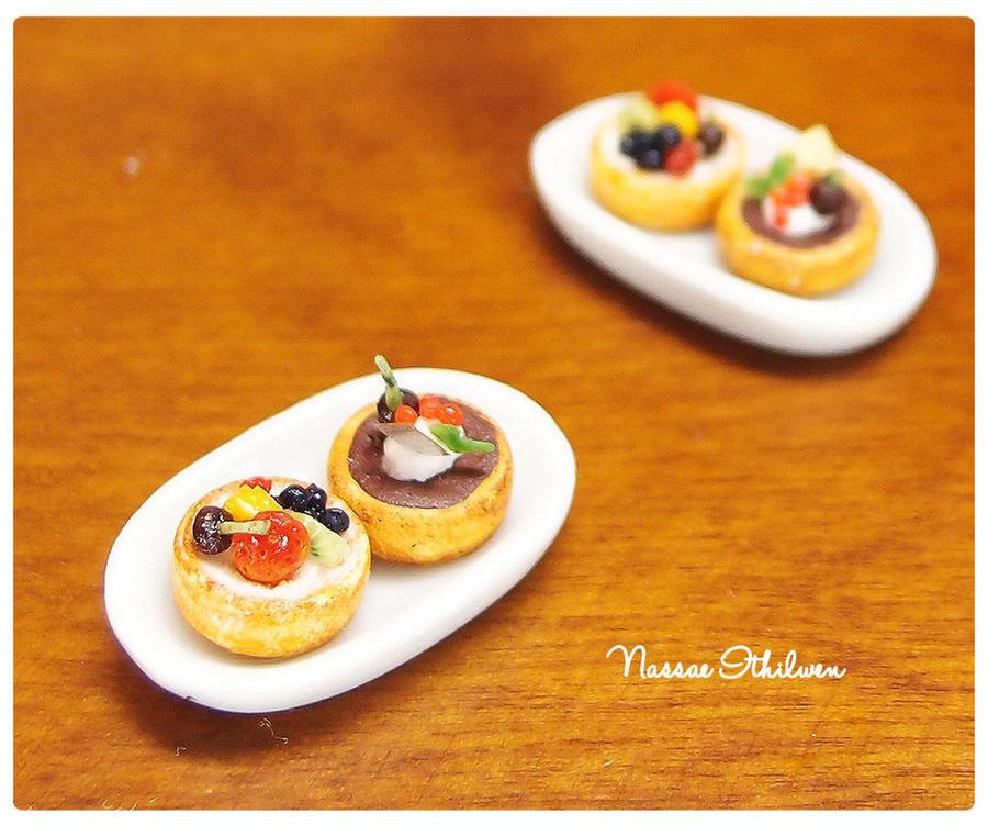 Delux Fruit Tart by Nassae