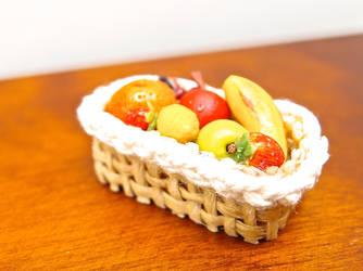 Fruit basket by Nassae