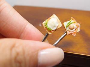 Toast hair clips