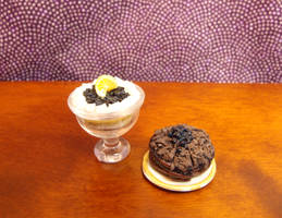 Layered blueberry trifle and cake