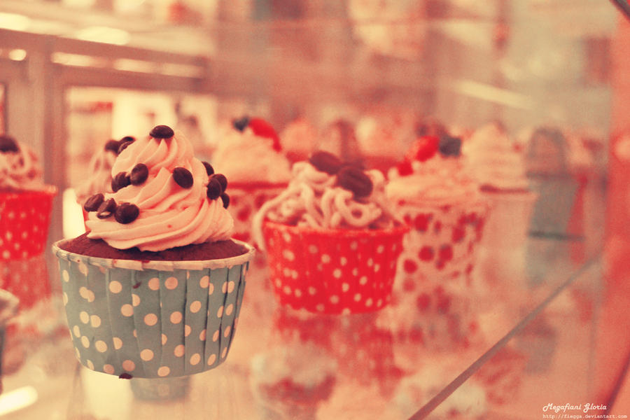 Vintage Cupcakes by fiegga