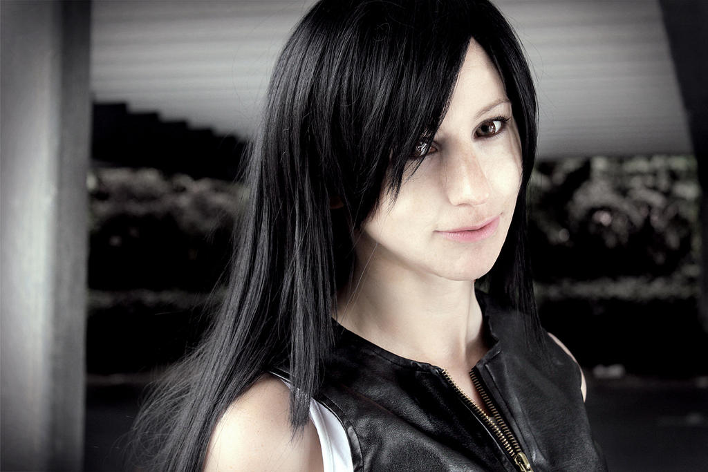 Tifa Lockhart: Memory or us? by LittleBlondeGoth