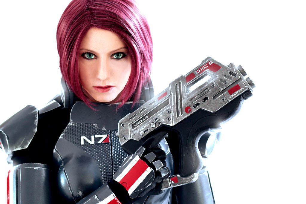 Commander Shepard: We fight or we die by LittleBlondeGoth