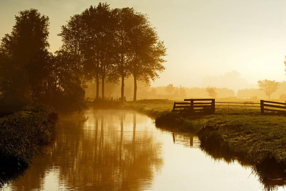 Schuwacht, Lekkerkerk, In the morning by lutfiuzun