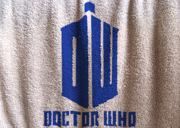 Doctor Who Logo Cloth by MilosCreativeArt