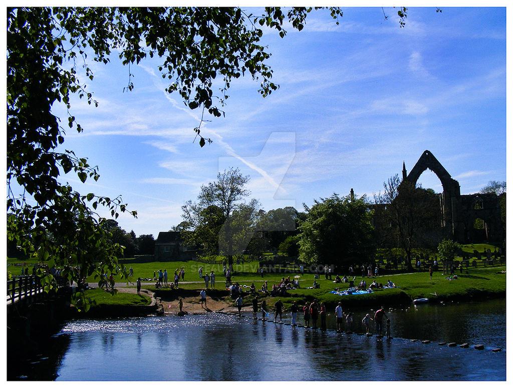 Bolton Abbey Ruins by Spe4un