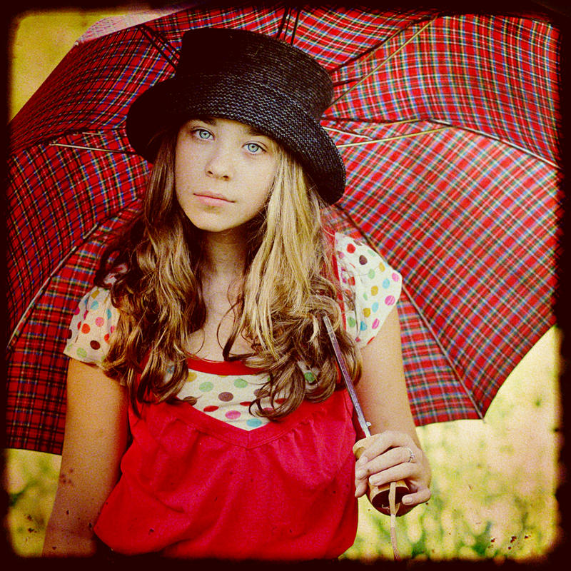 umbrella  by TakeMyWorldApart - Avatar Bulmaca