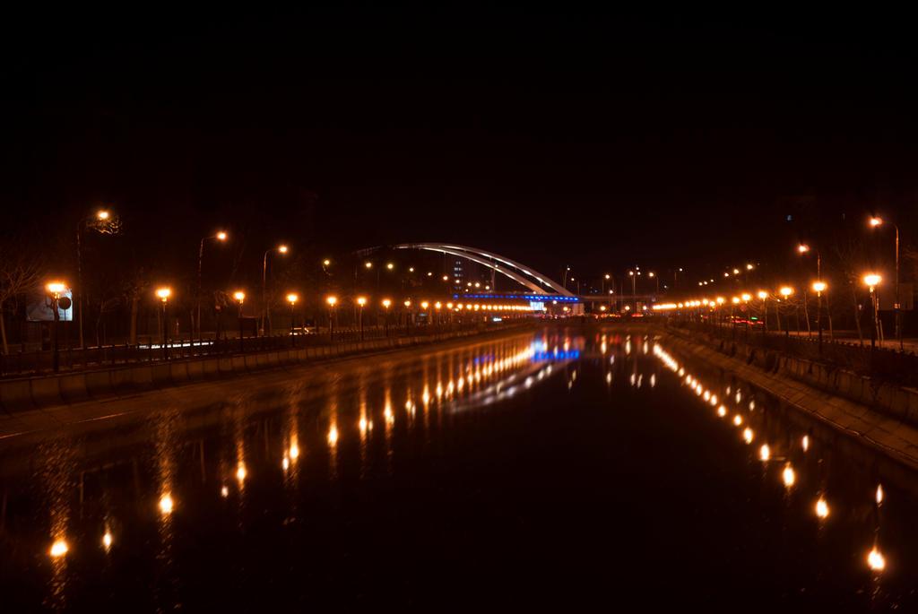 Dambovita  Podul Basarab noaptea by smlex2006