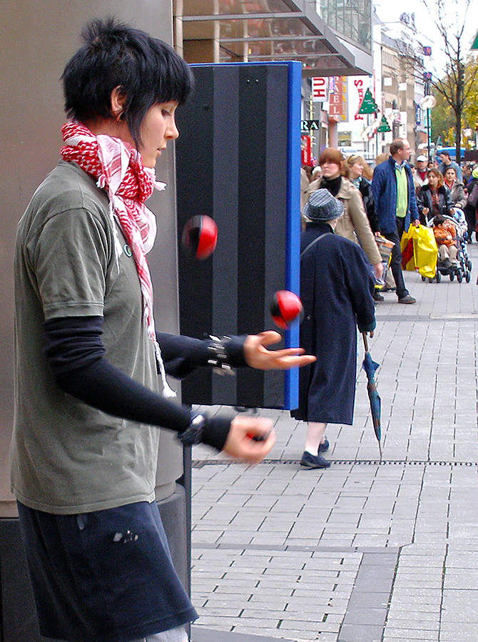 A Juggler in Cologne (another edition) by tahirlazim