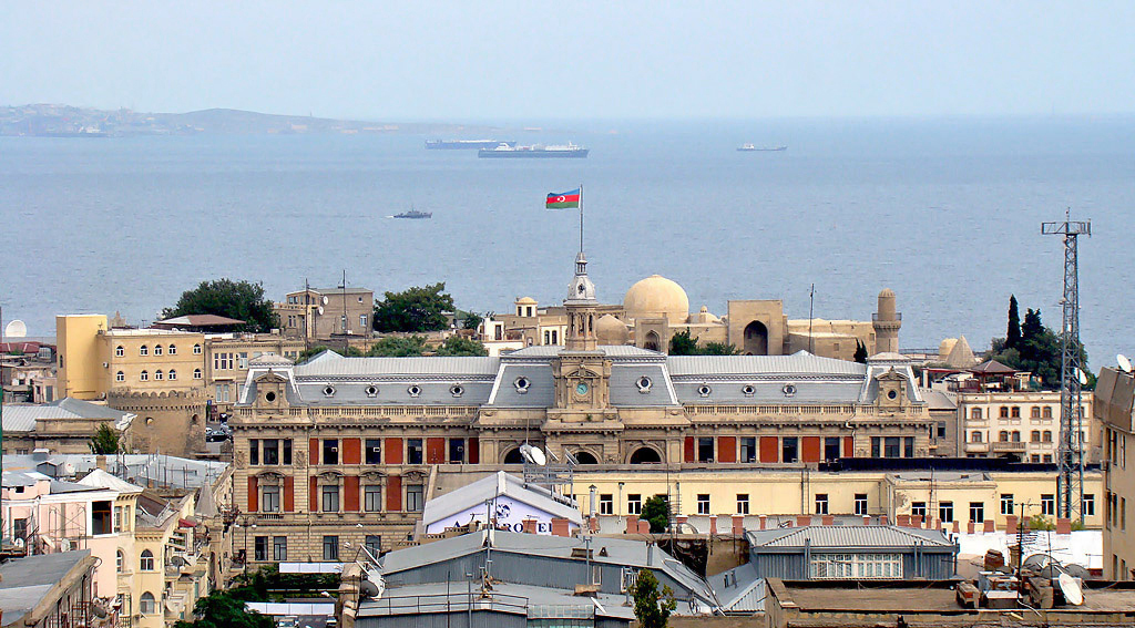 City at the Sea by tahirlazim