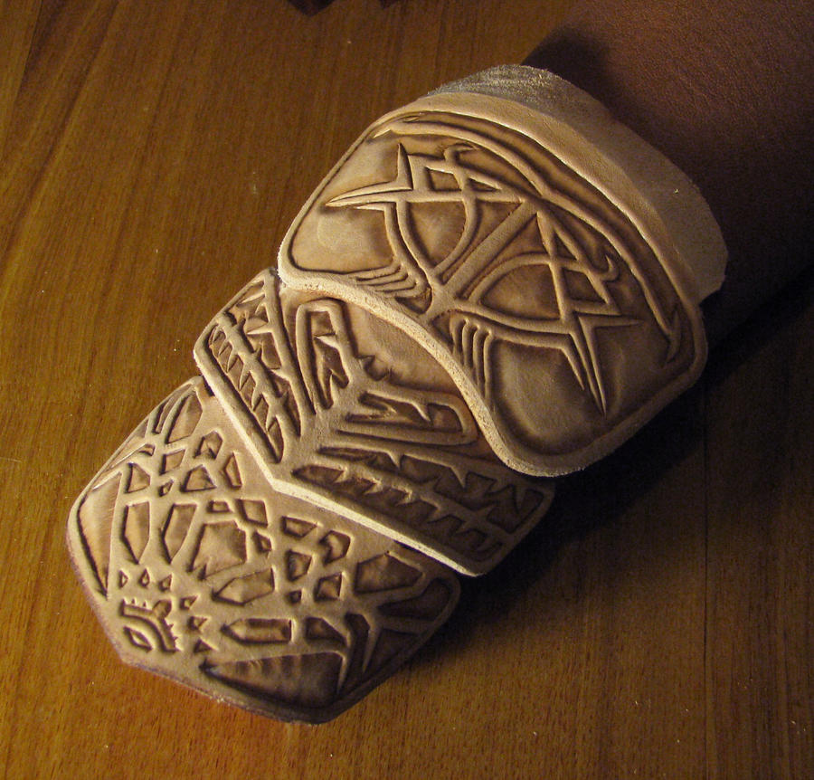 Altair vambrace from Assassin's creed by Fantasy-Craft