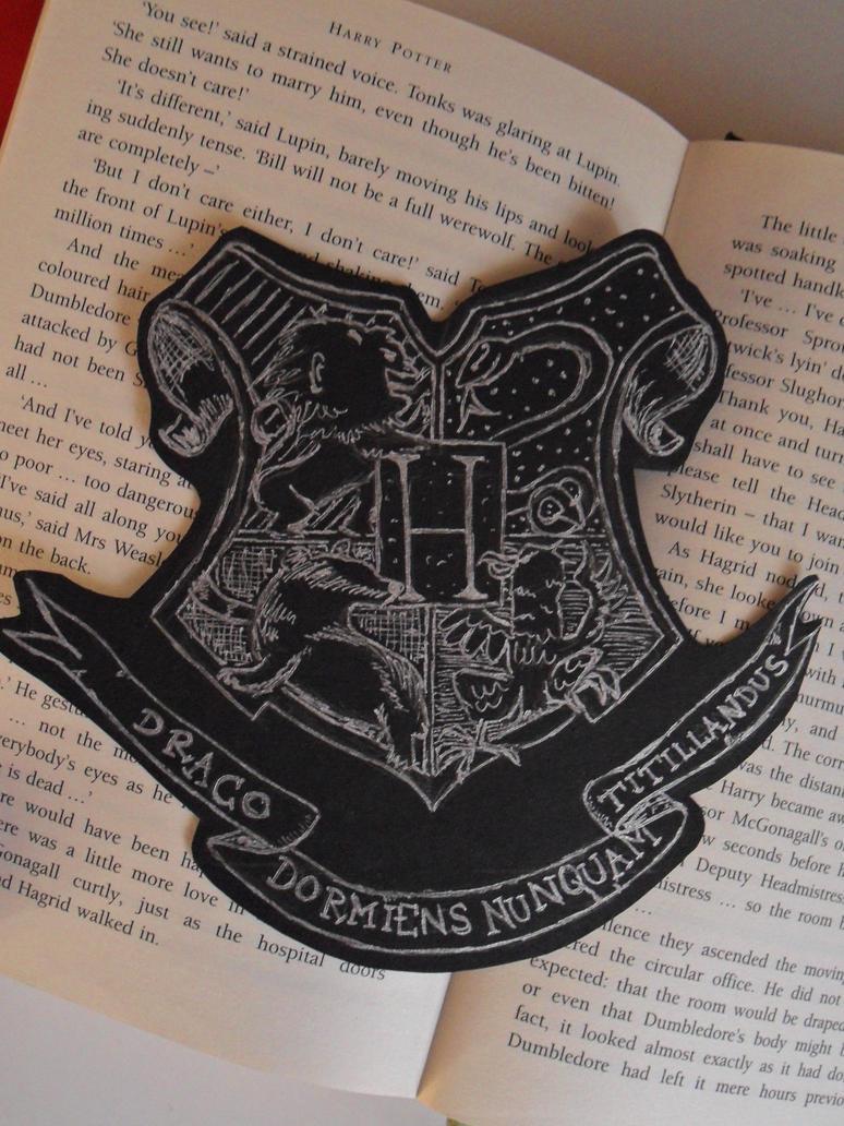 Hogwarts Crest by Phoenix396