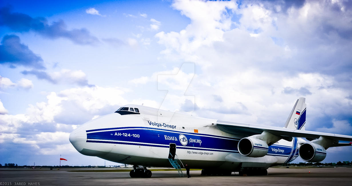 Antonov AN-124-100 by jhayesflight