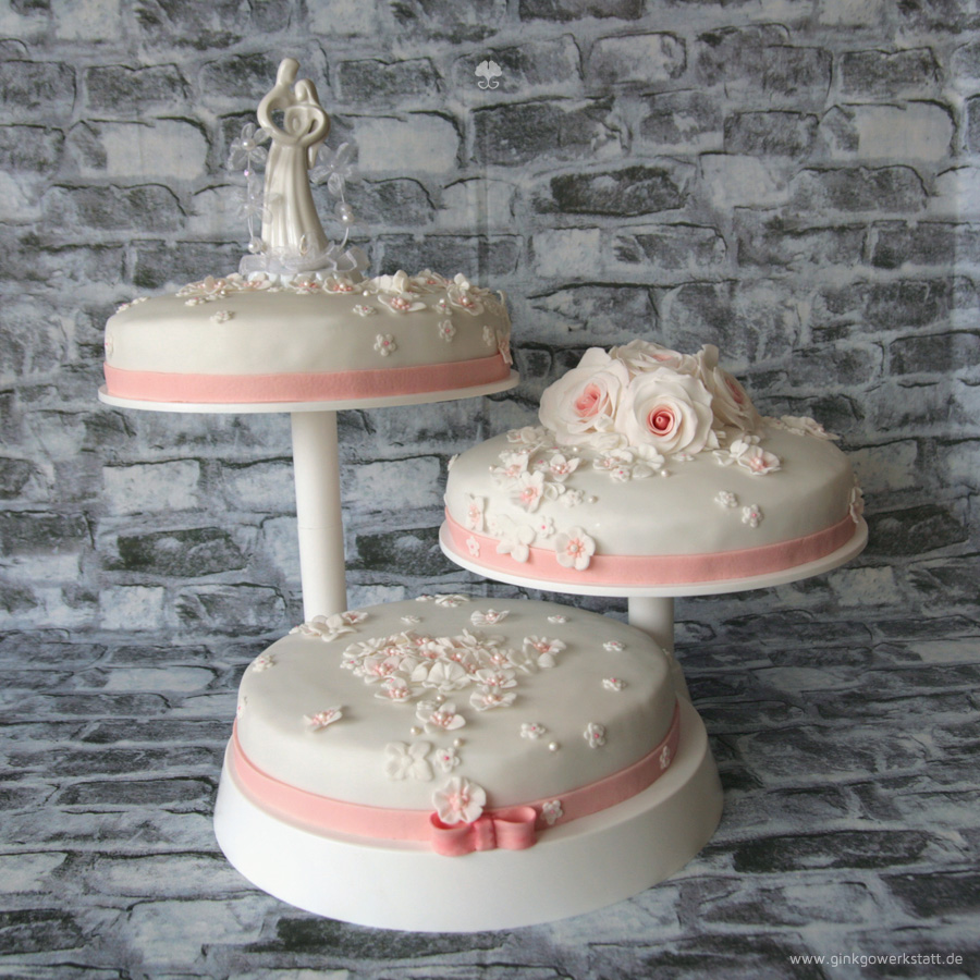 Wedding Cake - Roses by ginkgografix