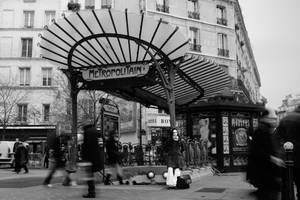 The girl of Chatelet 2 by 0lastnight0