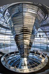Reichstag Kupel mittel V by juanmah