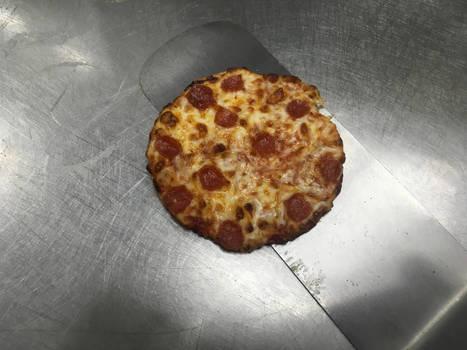 Tiny tiny pizza