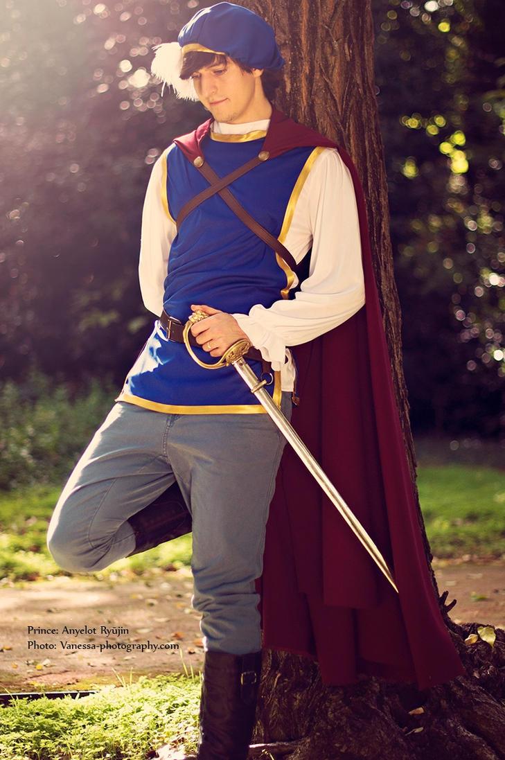 Prince Florian by LeydaCosplay
