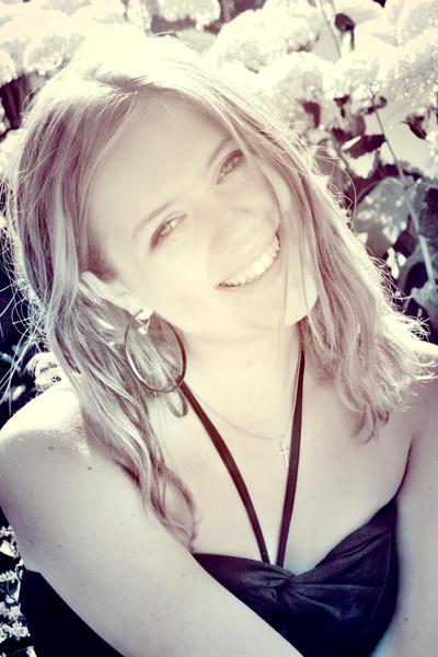 Tamara-Susanne's Profile Picture