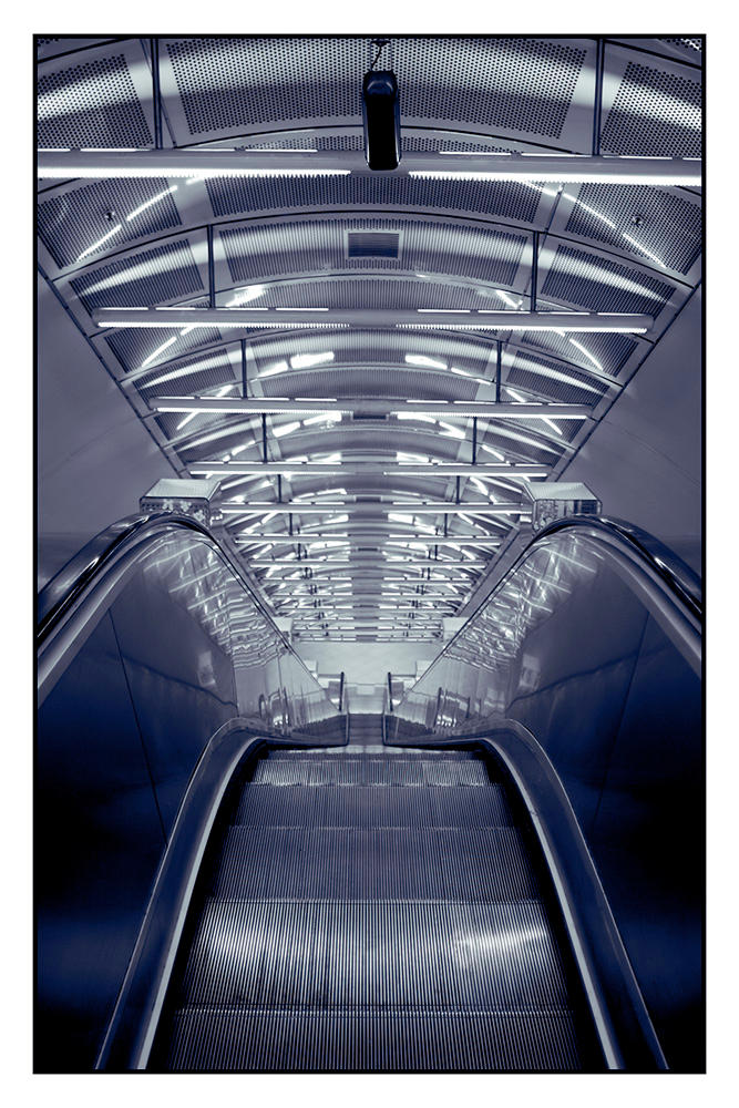 Parliament Station by disguy2k