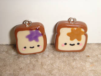 Peanut Butter and Jelly Toast Charms by kuiruchan