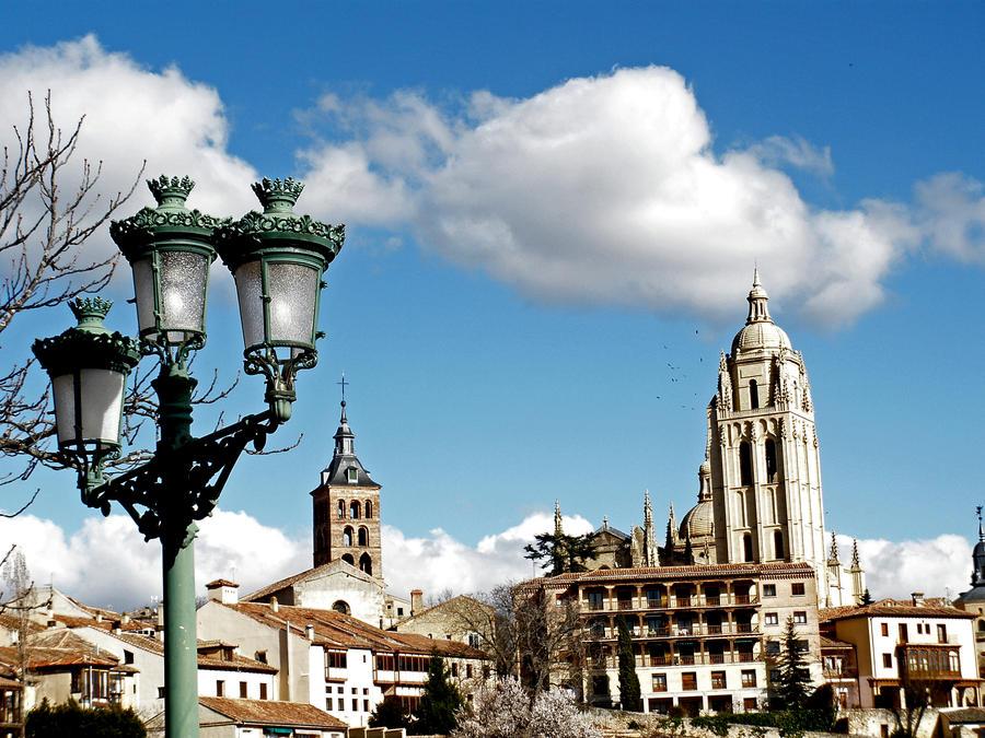 Segovia vistas by Danaeryn