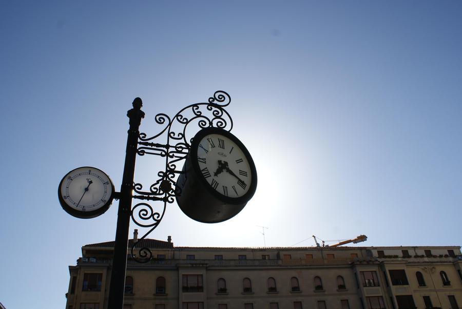 Reloj by Danaeryn