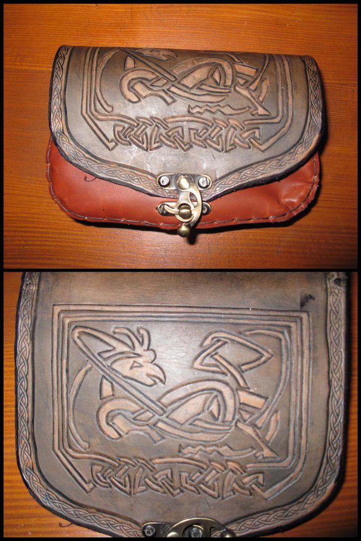 Viking carved belt bag by akinra-workshop