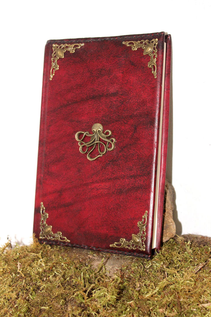 Myth of cthulhu leather book by akinra-workshop
