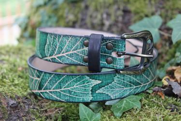 Leaf embossed leather belt