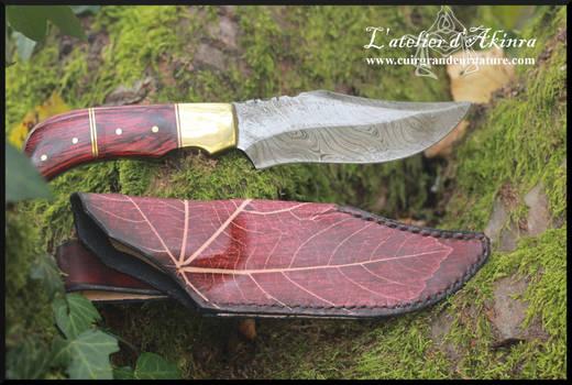 Damascus steel knife with sheath