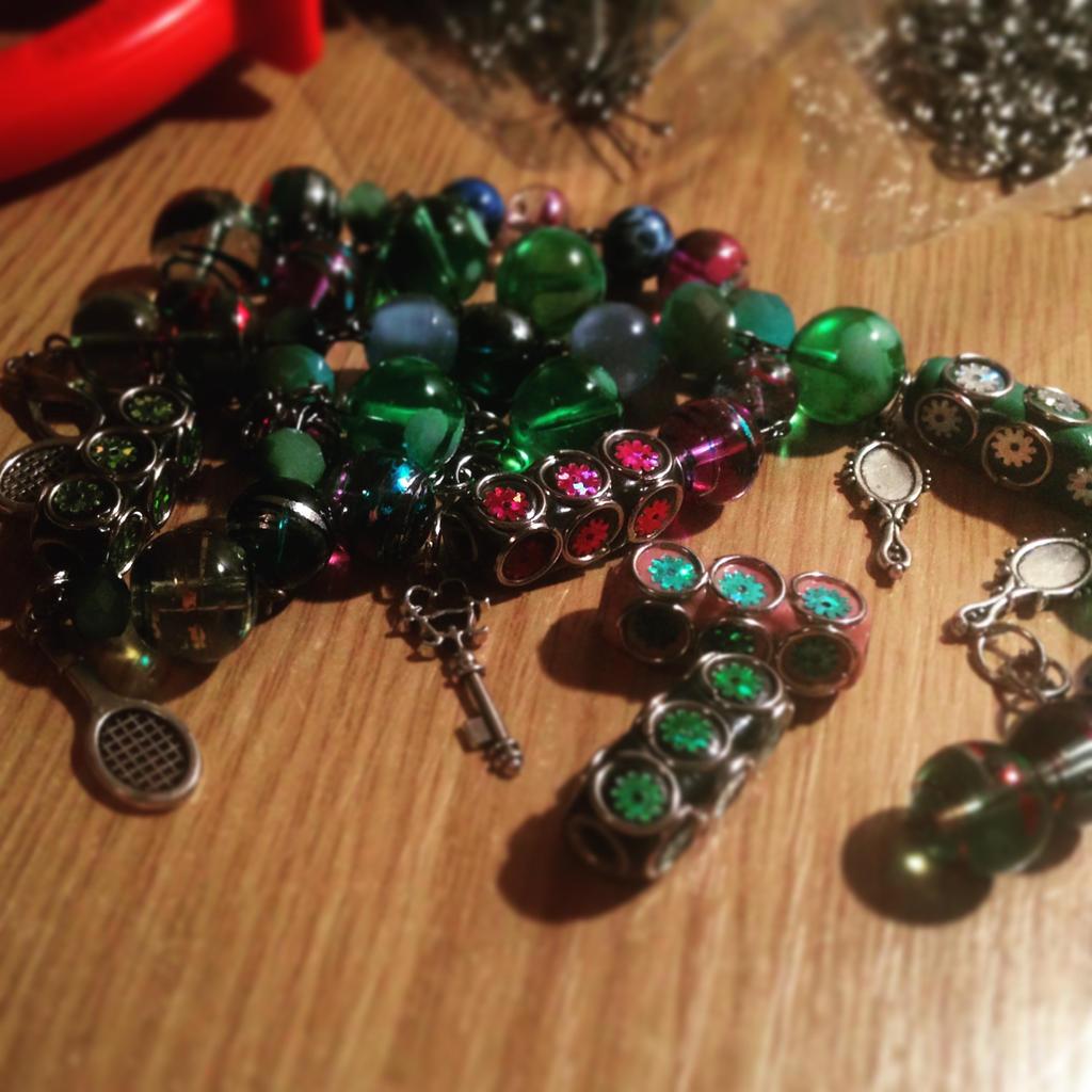 Making jewels  by christina177