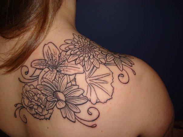 Flower Shoulder Tattoo: CuriosityFolks Blog: Ultimate Flower Tattoo Designs