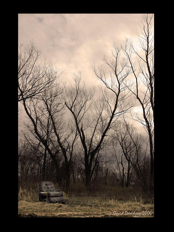 """Obrázek """"http://fc01.deviantart.com/fs9/i/2006/027/4/d/Angry_Chair_by_FilMFlaM.jpg"""" nelze zobrazit, protože obsahuje chyby."""