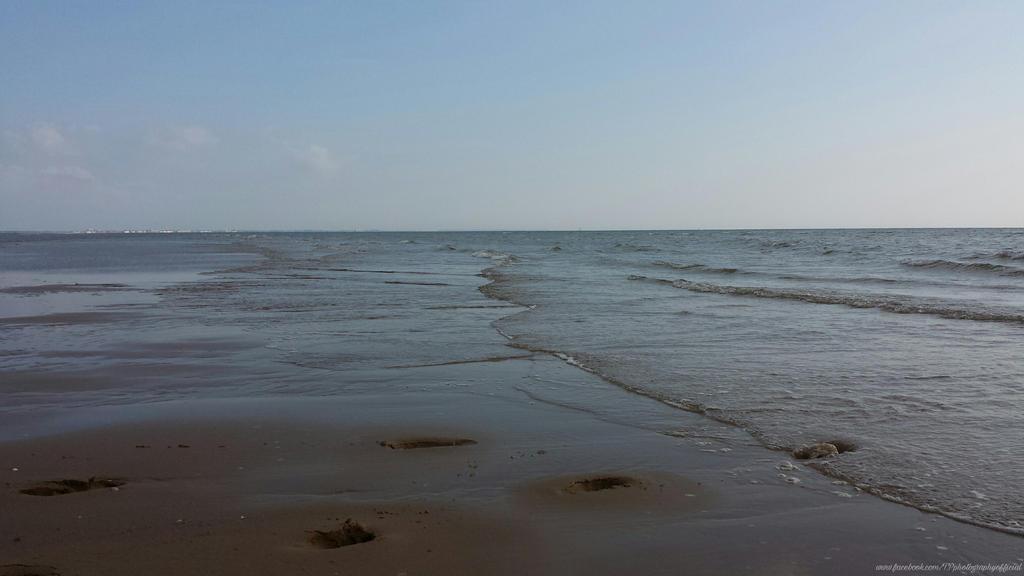 Sky, Sea  Land by InSeRtPiChErE