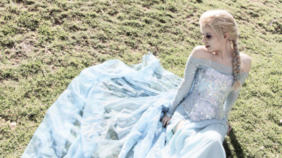 Elsa - Frozen by MyobiXHitachiin