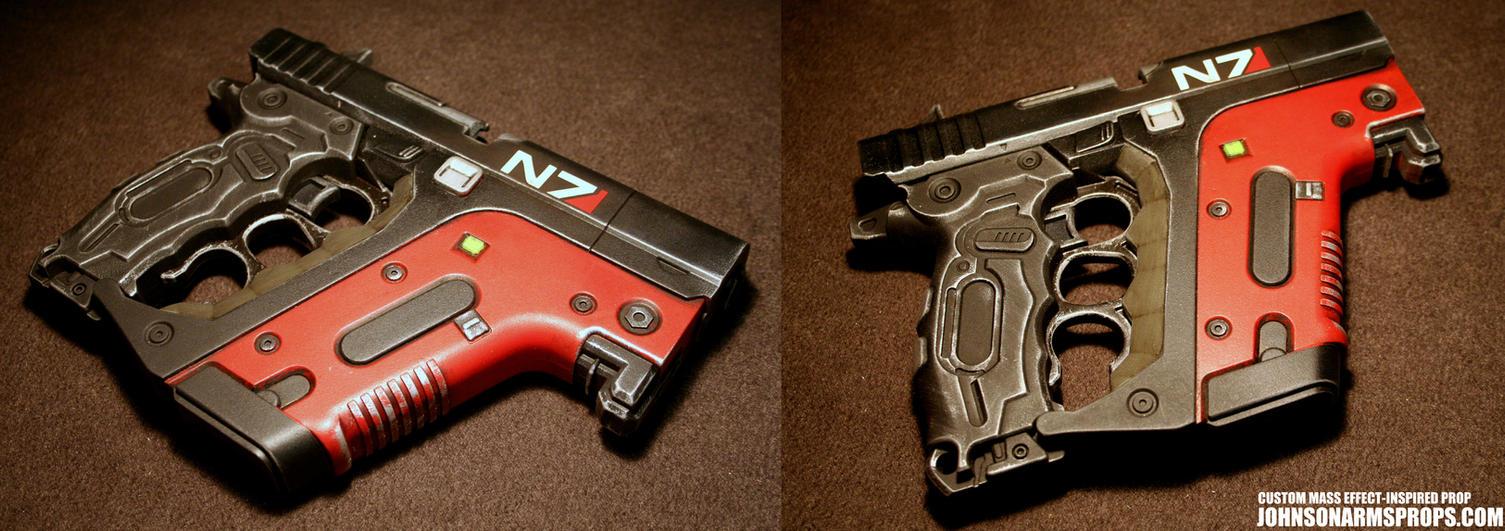 Custom Mass Effect-inspired Energy Pistol by JohnsonArmsProps
