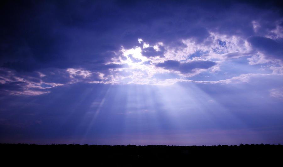 Sun Rays by RayOfLight1005