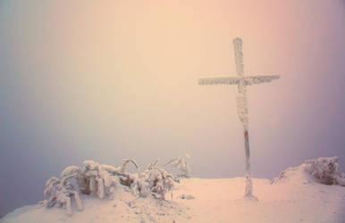 Frozen Cross by ferrohanc