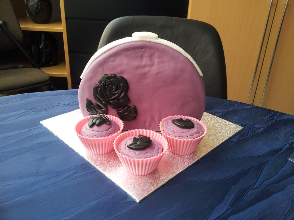 Holmes Made Cakes