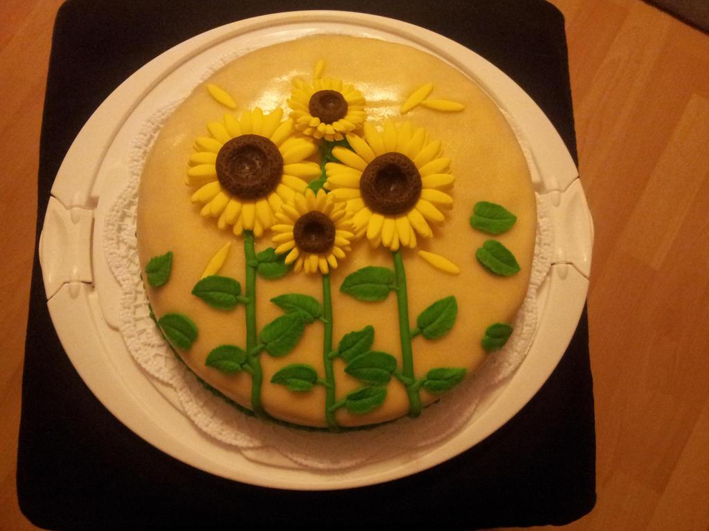 Sunflower Cake by Fledim
