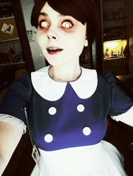 Bioshock - Little Sister (costest) by DarkInquisitor666