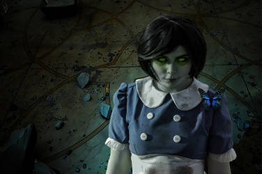 Bioshock/Bioshock 2 - Little sister cosplay by DarkInquisitor666