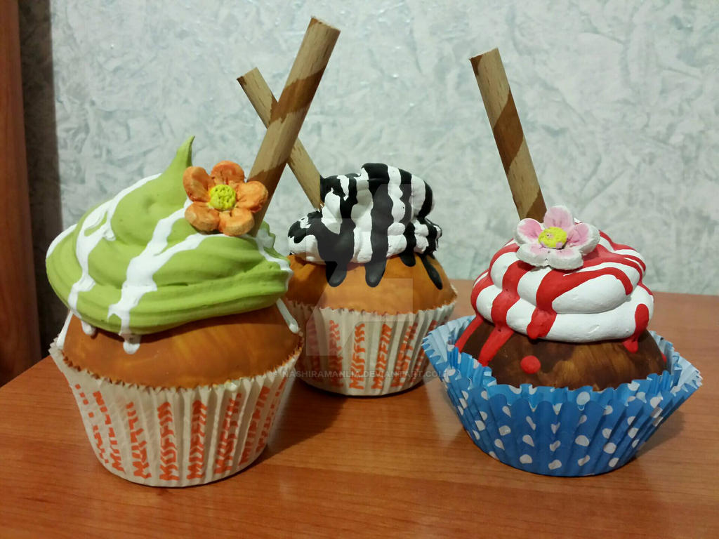 Fake cupcakes (again!) by NashiraManlia